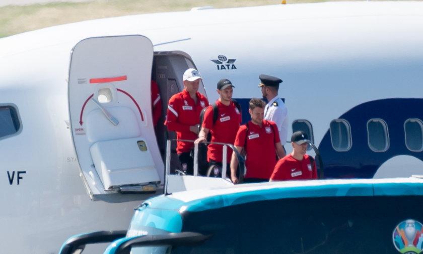 Polacy wylądowali w Gdańsku po remisie z Hiszpanią na Euro 2020.