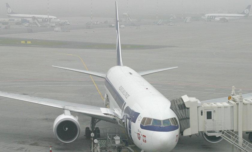 Warszawa: samoloty uziemione