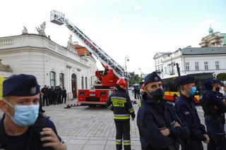 Protesty przeciw 'lex TVN' w niemal 100 miastach Polski