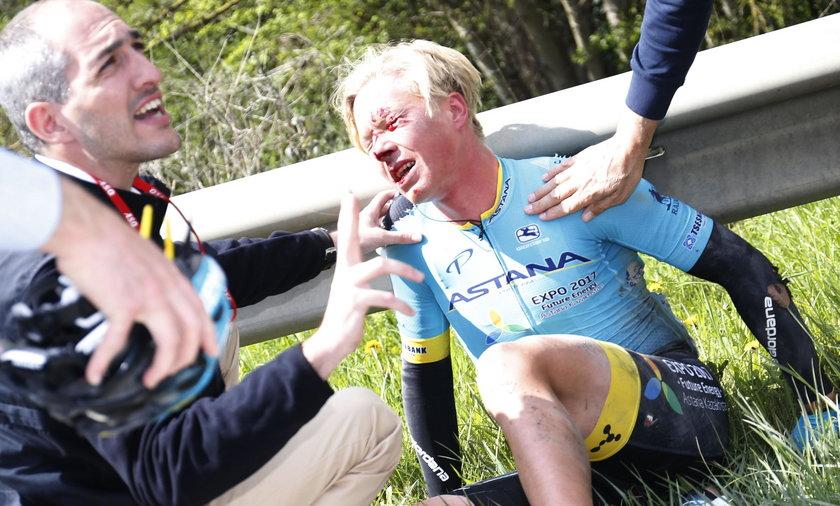 Fatalny upadek kolarza podczas wyścigu