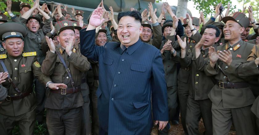 Dżucze to ideologia wprowadzona przez Kim Ir Sena, dziadka obecnego przywódcy Korei Płn. Kim Dzong Una; jest to północnokoreańska wersja marksizmu-leninizmu, podkreślająca samodzielność i suwerenność Korei Płn., zwłaszcza w polityce wewnętrznej i zagranicznej, obronności i gospodarce.