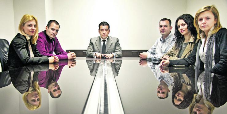 Predsednik grupacije Sigit Srbija Davor Veličkovski sa timom saradnika foto Promo