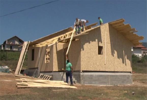 Projektom će biti dodeljeno 80 montažnih kuća