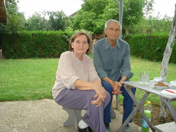 Jela i Desimir, roditelji Ivice Dačića