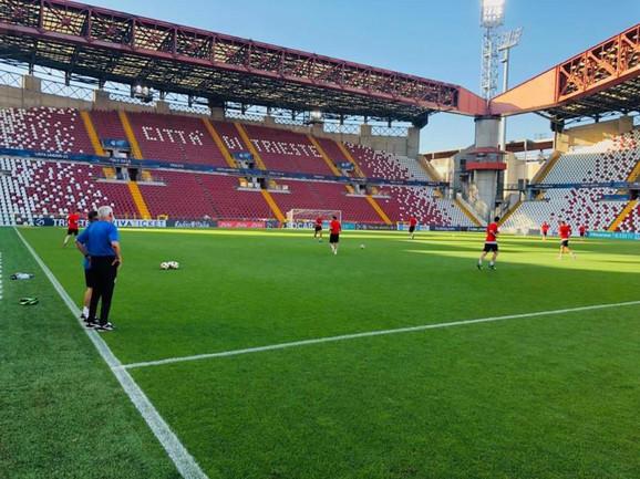 Mlada fudbalska reprezentacija Srbije na treningu u Trstu