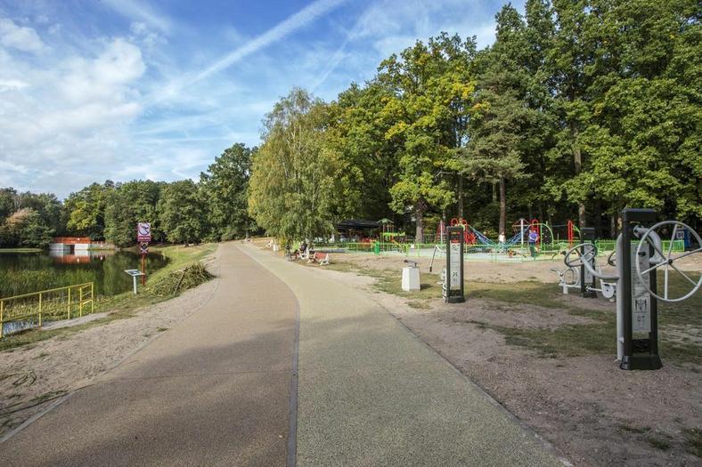 W Arturówku są też odnowione ścieżki piesze i rowerowe
