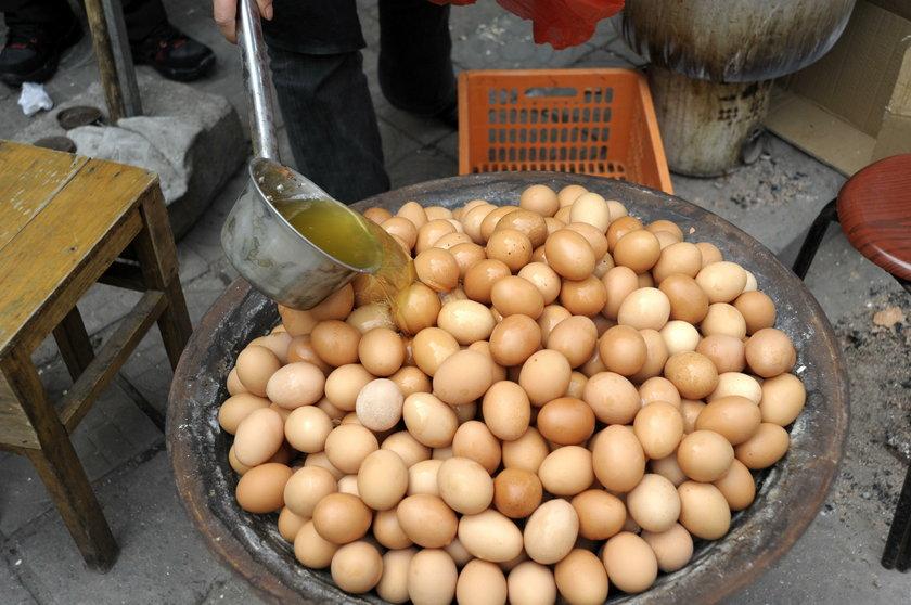 Najdziwniejsze potrawy z jajek. Dziwaczne dania z jaj. Co dziwnego można przygotować z jajek?