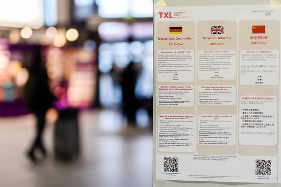 Zdravstvene instrukcije na aerodromu u Berlinu