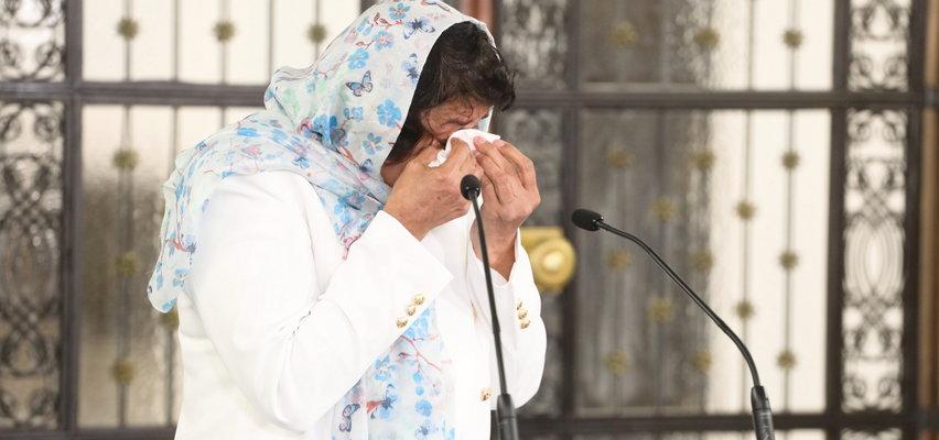 Poruszające sceny w Sejmie. Kompletnie rozkleiła się przed kamerami, z trudem przełykała łzy. Ten widok rozdziera serce