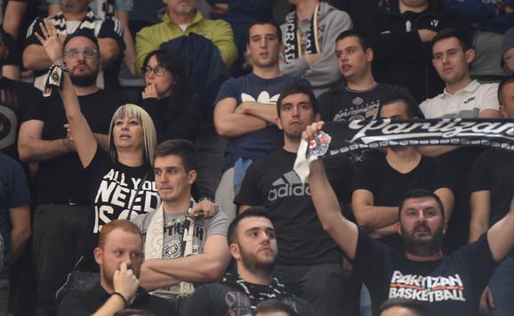 Navijači Partizana ispunili su