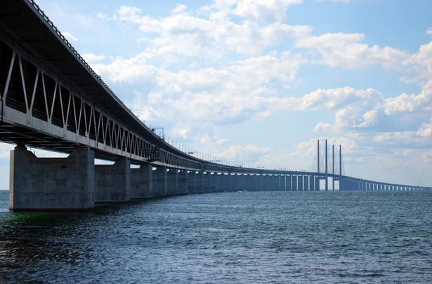 Most nad cieśniną Sund.
