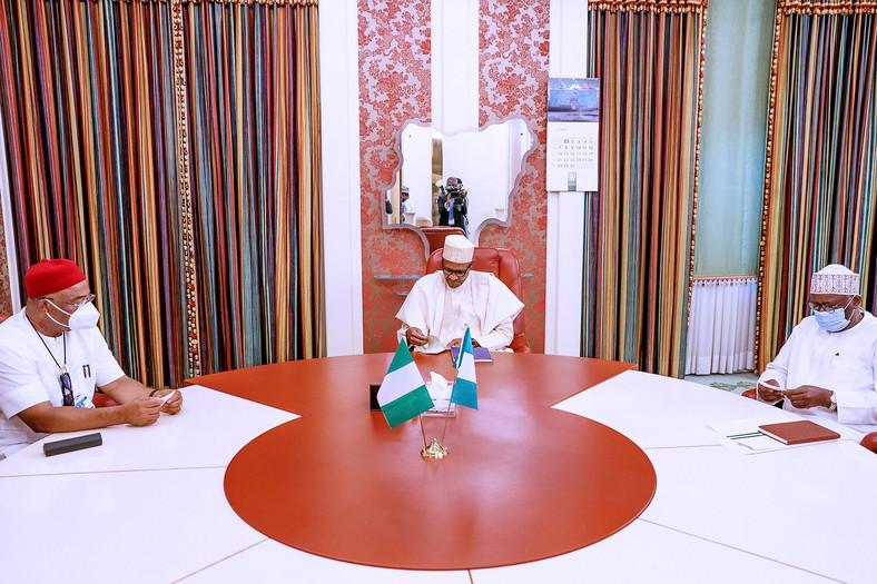 President Muhammadu Buhari meets with Governor Hope Uzodinma of Imo state. [Twitter/@NigeriaGov]
