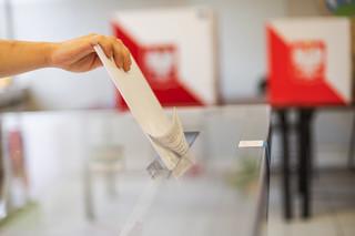 Członkini komisji wyborczej w gminie Jasieniec zakażona COVID-19