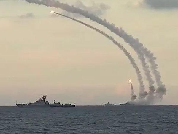 Start pocisków Kalibr z rosyjskich okrętów