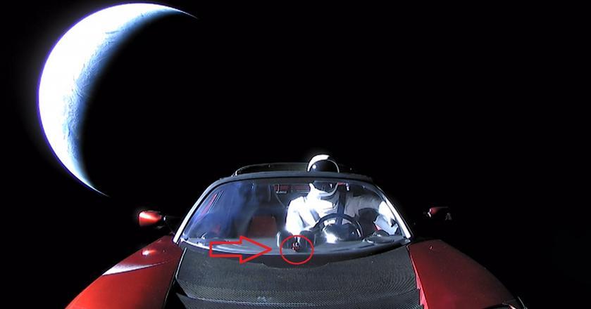 Elon Musk i SpaceX zadbali o to, żeby pierwszy test Falcona Heavy był prawdziwym kosmicznym show