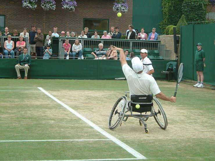Paraolimpijada Tenis 1024px-Wimbledon_2005,_Wheelchair