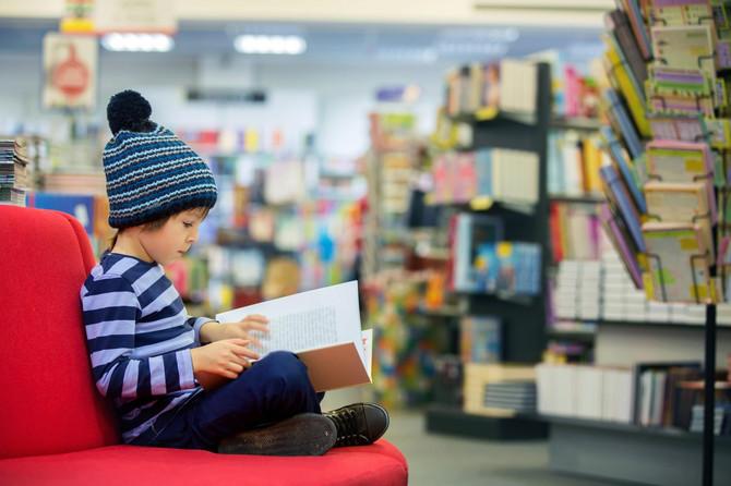 Povedite dete u knjižaru i ponudite mu raznolik sadržaj