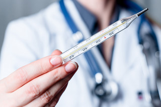 Tarcza: Czy dofinansowanie ze środków FGŚP przysługuje na pracownika, który przebywa na zwolnieniu lekarskim?