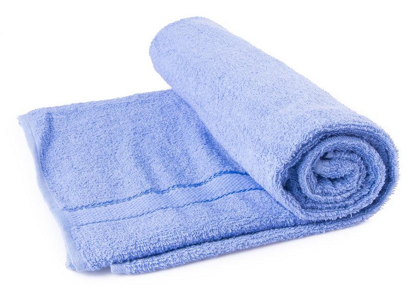 Dobrym sposobem na ochłodzenie jest okład z wilgotnego ręcznika
