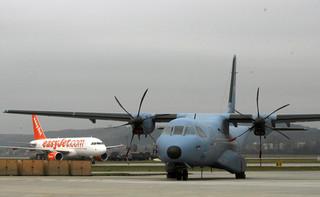 Witczak: Loty wojskowymi samolotami to patologia władzy