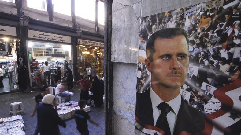 Centrum handlowe w Syrii z portretem Baszara Asada
