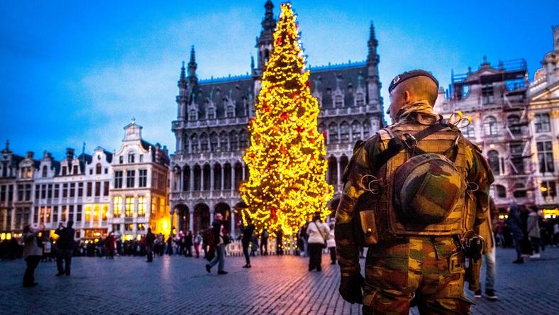 Belgia: zarzuty wobec dwóch osób w związku z zamachami w Paryżu