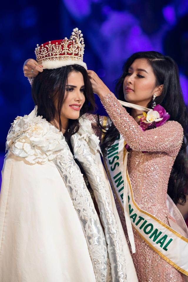 Mariem Claret Vlazco Garcia - Miss International 2018