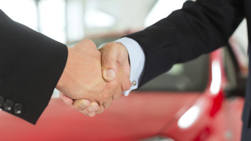 Salon sprzedaży samochodów