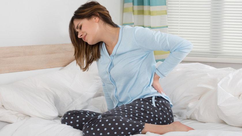 Dbasz o siebie, a wstajesz z bólem pleców? Pomogą ćwiczenia i dieta