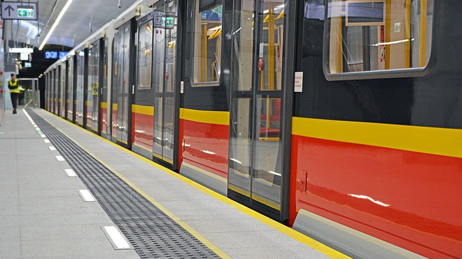Awaria w  metrze. Pociągi kursują na skróconej trasie
