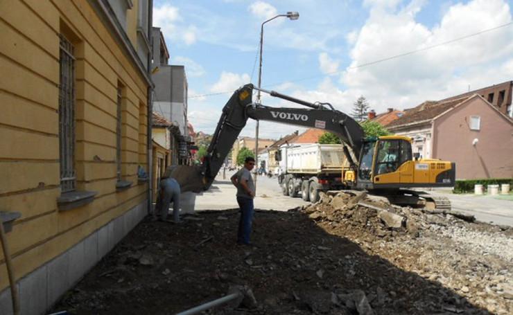 608297_karadjordjeva-ulica-rekonstrukcijafoto-predrag-vujanac