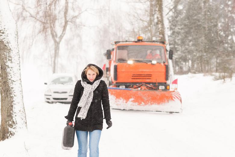 Przymusowy spacer po paliwo to często najmniejszy problem.