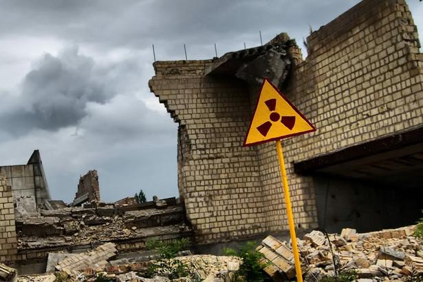 Dzięki nowym elektrowniom atomowym ZSRR mógł zwielokrotnić liczbę wytwarzanych głowic nuklearnych, wyprzedzając w wyścigu zbrojeń Stany Zjednoczone. Największą wadą reaktorów rurowo-grafitowych okazało się to, że nie były one odporne na mentalność człowieka sowieckiego, co potwierdziła katastrofa w Czarnobylu.