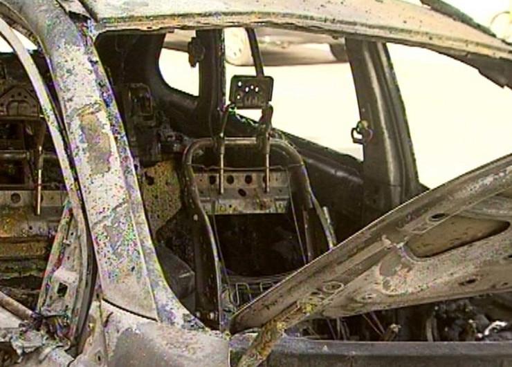 Jagodina zapaljen automobil foto Goran Jevremovic (1)