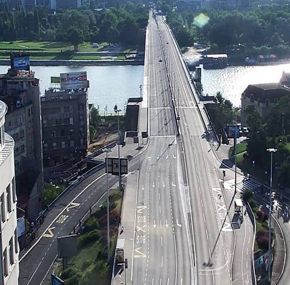 Bez automobila na Brankovom mostu