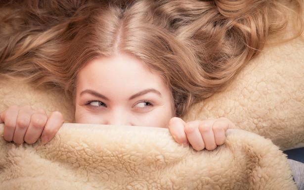 W przypadku podejrzenia bezdechu sennego należy pójść do lekarza podstawowej opieki zdrowotnej, który skieruje do specjalisty zajmującego się terapią tego schorzenia, tj. pulmonologa lub laryngologa