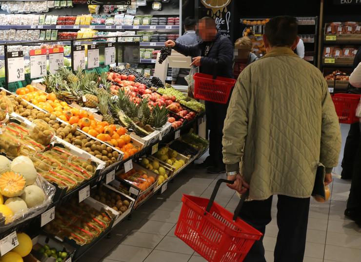 prodavnica kupovina voće-foto-D-BOZIC
