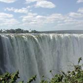 """Klimatske promene """"ubijaju"""" jedno od NAJLEPŠIH ČUDA PRIRODE: Veličanstveni Viktorijini vodopadi više NE IZGEDAJU OVAKO (FOTO)"""