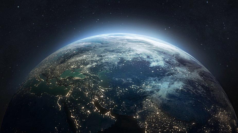 Teoria pustej Ziemii mówi o wspaniałej krainie, którą kryje wnętrze planety - zdj. ilustracyjne