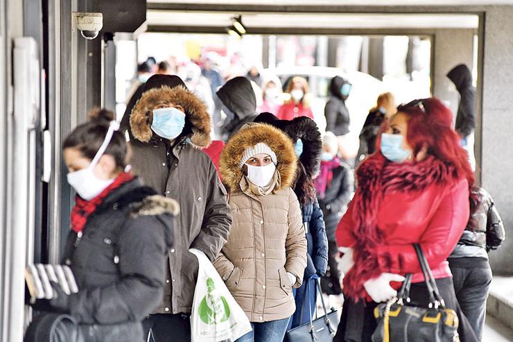 maske vanredno stanje bankomat