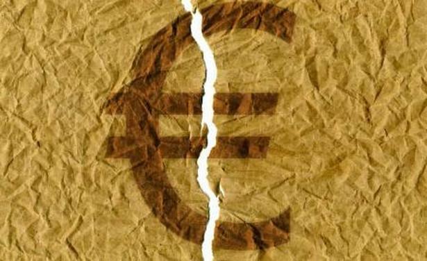 Gospodarka eurostrefy skurczyła się o 0,6 procent w stosunku do poprzedniego kwartału. To wynik gorszy od spodziewanego i najgorszy od czterech lat.
