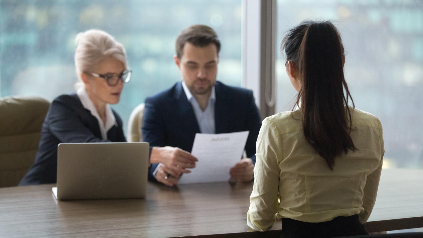 Idziesz na rozmowę o pracę? Sprawdź, czego nie mówić rekruterowi