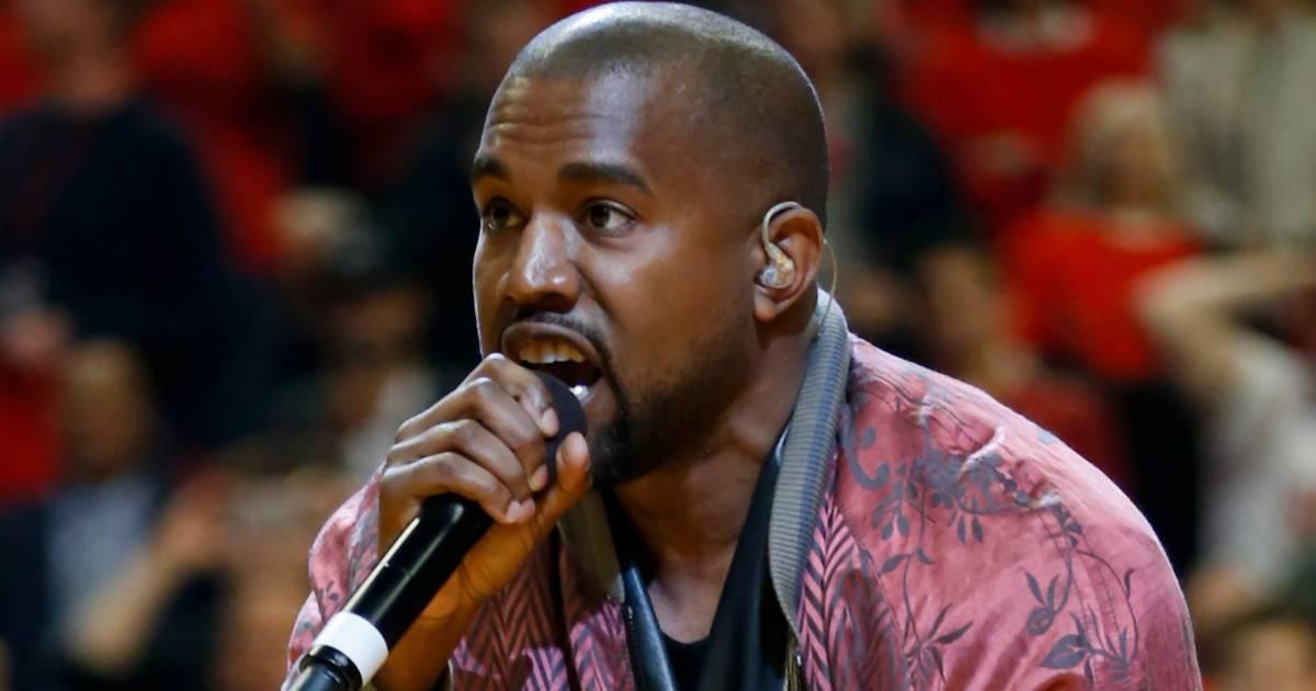 """Coachella-Besucher versteigert """"Heiliges Gras"""" von Kanye Wests Gottesdienst"""