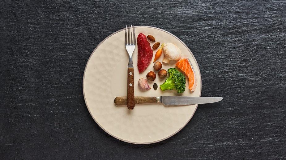 Intermittent fasting a redukcja masy ciała