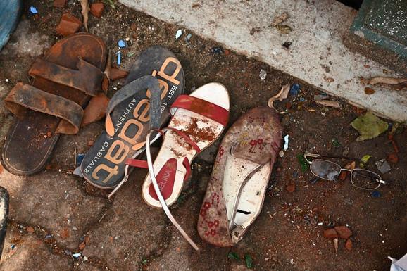 Krvave cipele ispred crkve na meti napada