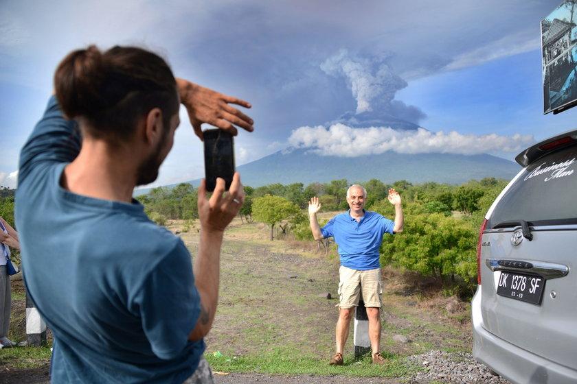 Przebudzony wulkan Agung stanowi zagrożenie