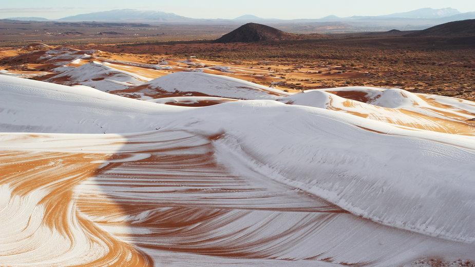 Zima dotarła na pustynie Afryki i Bliskiego Wschodu. Temperatury spadły poniżej zera