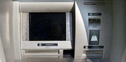 W poszukiwaniu darmowego bankomatu