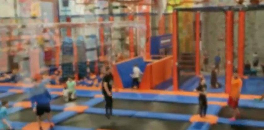 Trwa pandemia, a w parku trampolin ponad 400 osób! Policja publikuje nagranie