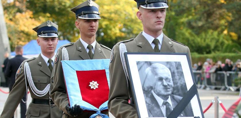 """Wałęsa uderza w zmarłego ojca premiera. """"To nieludzkie i haniebne"""""""